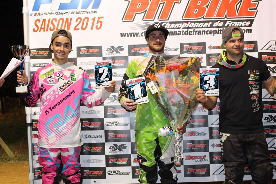 team zi-on podium championnat france pit bike
