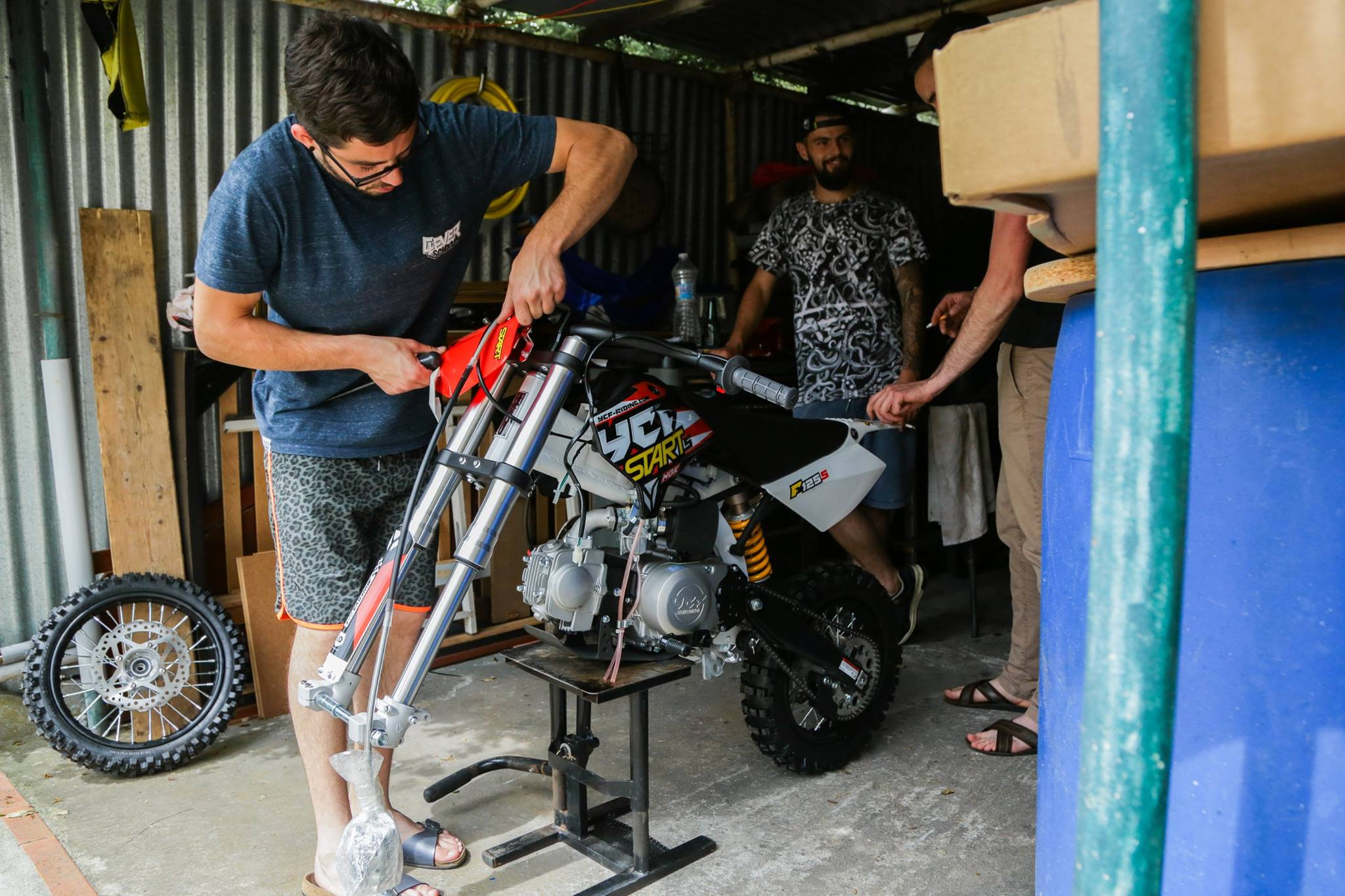 YCF pit bike 125s