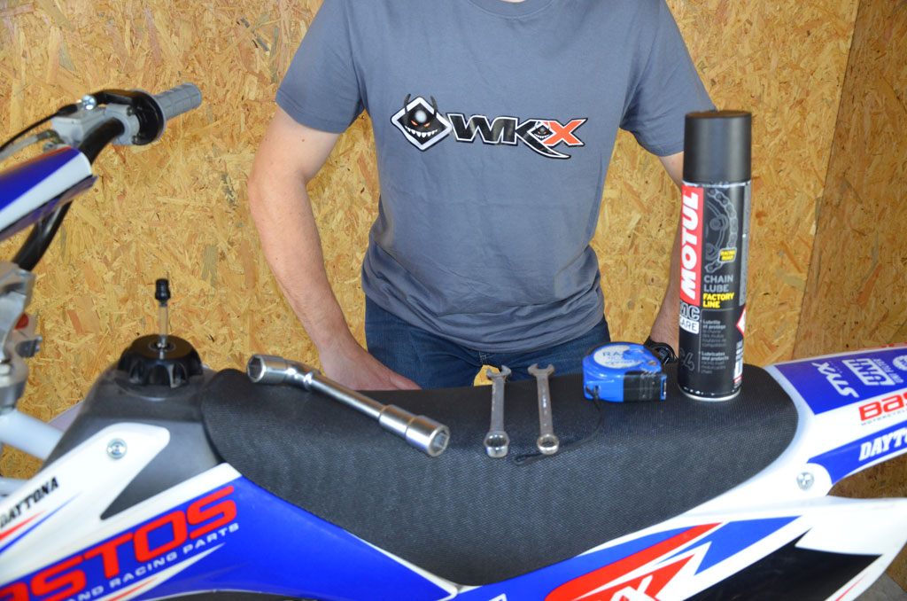 outils reglage chaine pit bike