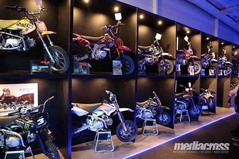 YCF musee pit bike