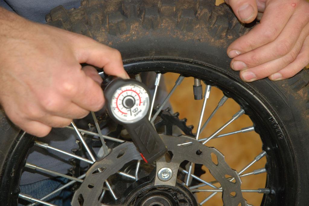 controleur pression pit bike