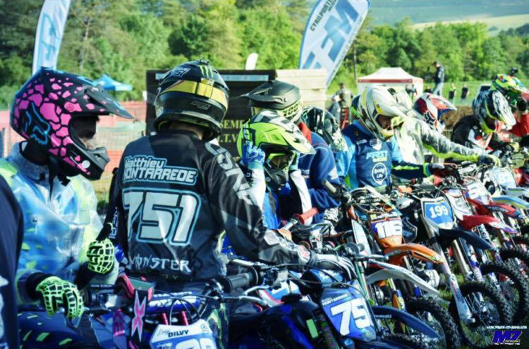 pit bike loche sur ource course